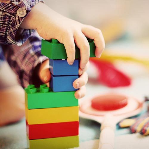 Child-Therapy-with-Lego